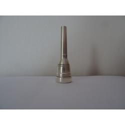 Nátrubek AMATI, pro trumpetu 7EW, stříbřený.